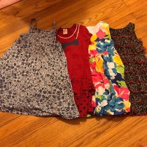 Girl dresses lot for 4 or 5 years old